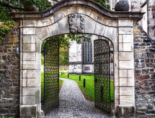 Eleganta portilor din fier forjat